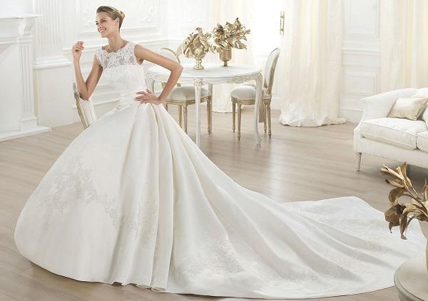 Кружевные свадебные платья 2015 года