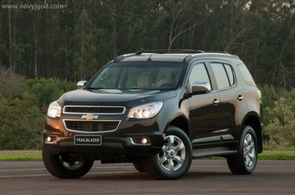 Обзор нового Chevrolet TrailBlazer 2015-2016 от General Motors