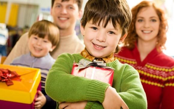 Что можно подарить на Новый год 2016 родителям