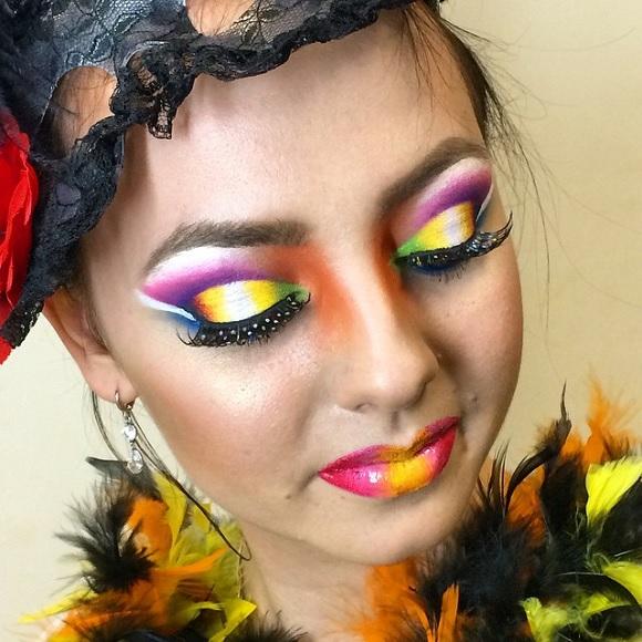 Ярких цветов раскраски на лице